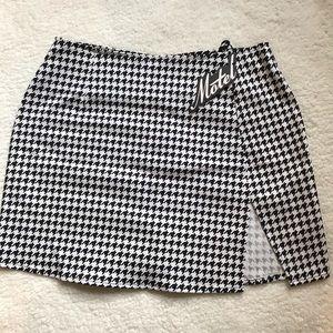 Motel Houndstooth Skirt
